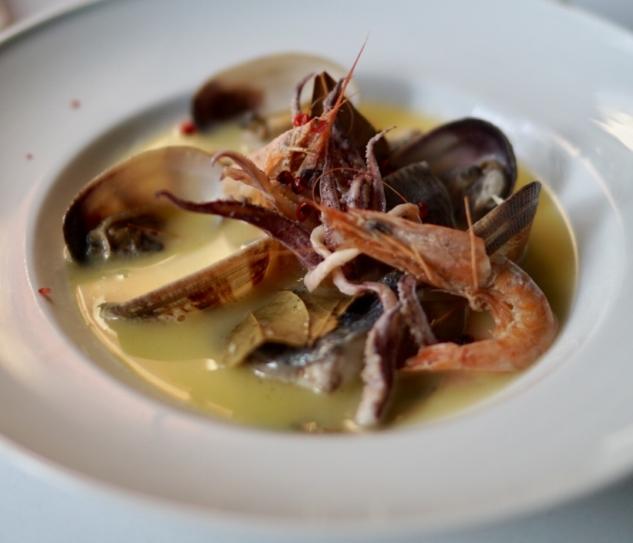 Can oba restoran balık çorbası