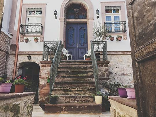 CavlıHane 1885, Ayvalık: Her Köşesinde Bir Hikaye Barındıran Otel