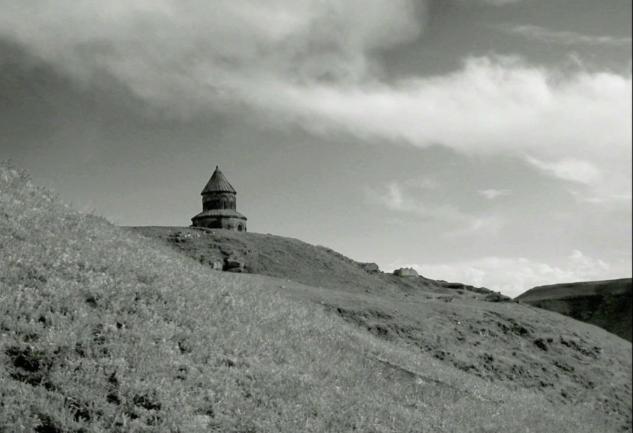 Ani'nin Sessizliği: Francis Alÿs'in 13 Dakikalık Video Yapıtı