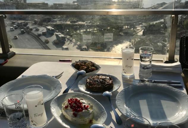 Firuze Beyoğlu: Manzarasıyla Kendine Hayran Bırakan Restoran
