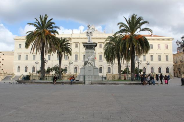 Piazza Italia-min