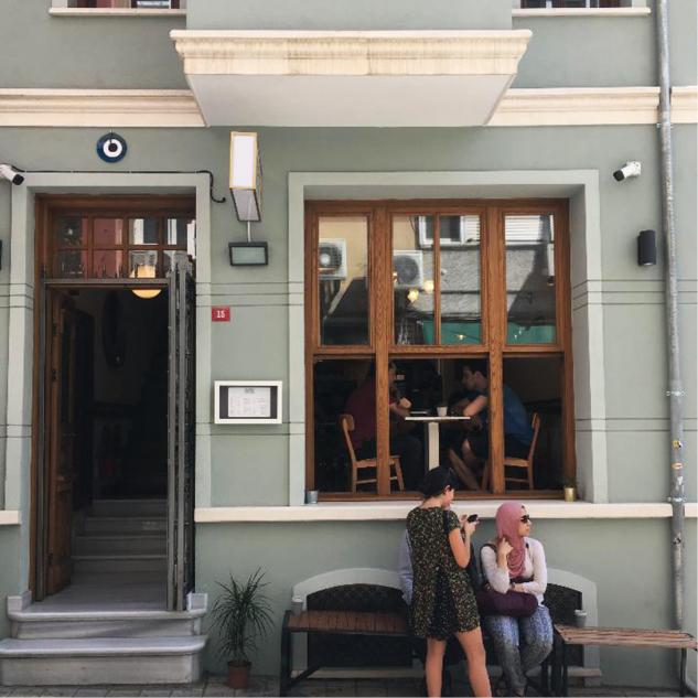Rafine Espresso Bar yeni yerinde