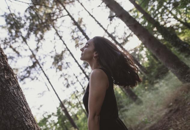 Yeni Umutlar Ekenlerden: Müzisyen Sedef Sebüktekin ile Röportaj