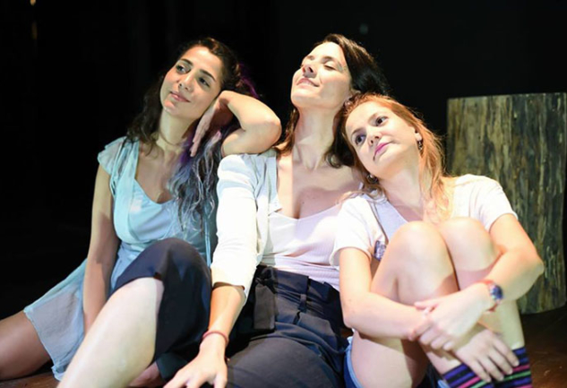 Gnom Tiyatro'dan Eve Dönüş: Sezona Sımsıcak Bir Başlangıç
