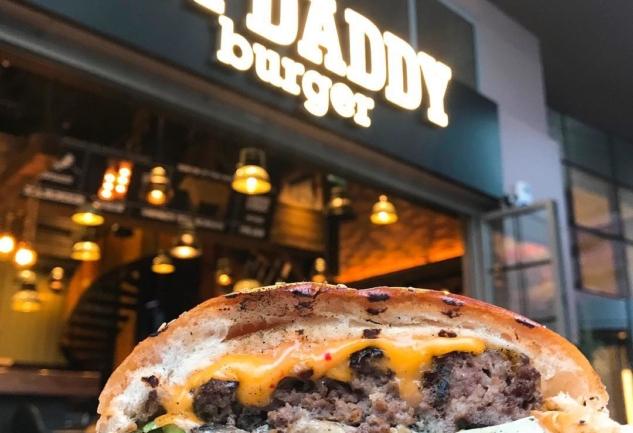 Hopdaddy Burger: Yeniköy'ün Leziz Burgercisi