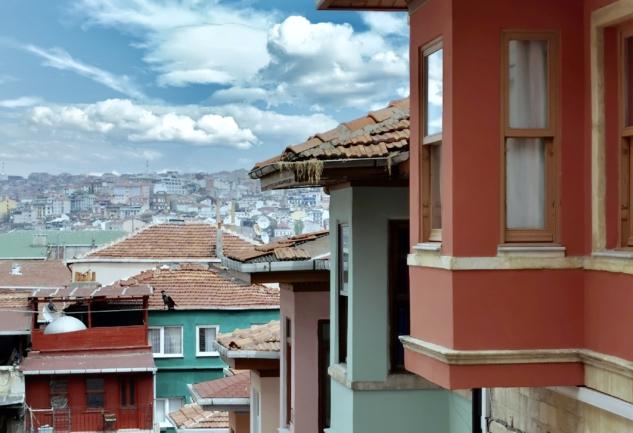 Balat Sokakları: Tarihi Koklayacağınız Duraklara Yolculuk