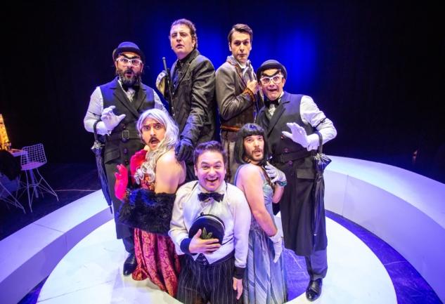 Teftişör: Tiyatro Adam'dan Sezona En Eğlenceli Hediye