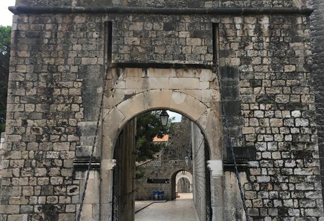 Old Town: Dubrovnik'in Surlarının İçine Doğru