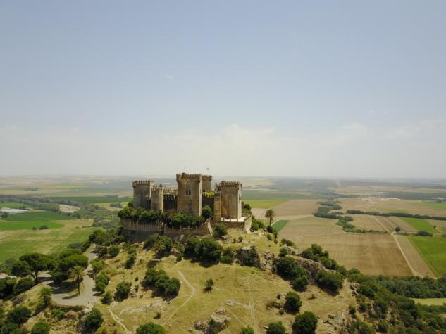 game of thrones mekanları – castillo de almodovar – lars stuifbergen