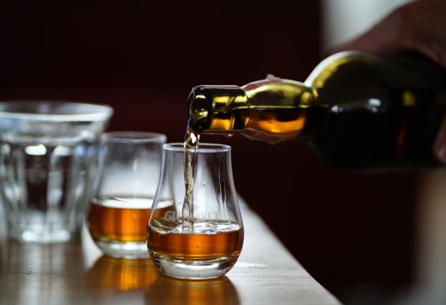 Yeni Başlayanlar İçin: Viski Tadımı Nasıl Yapılır?