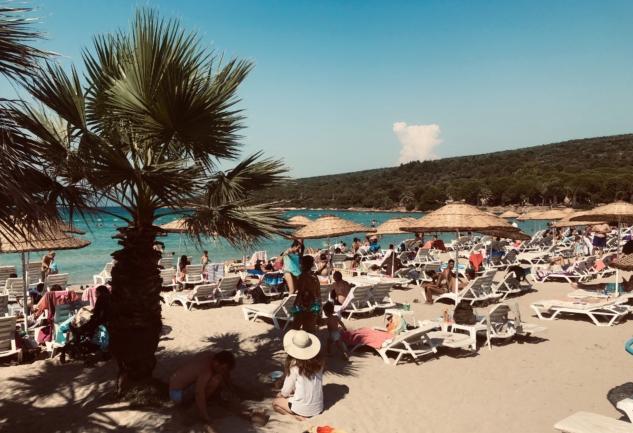 Çeşme Beach'leri: Deniz, Güneş ve Eğlence Dolu Plajlar