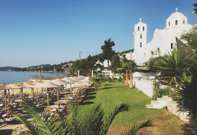 Hotel Akti: Kavala'da Zeytin Ağaçlarıyla Dolu Bir Bahçe