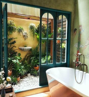 Old Capital Bike Inn: Bangkok'un Kaosundan Uzak Bir Otel
