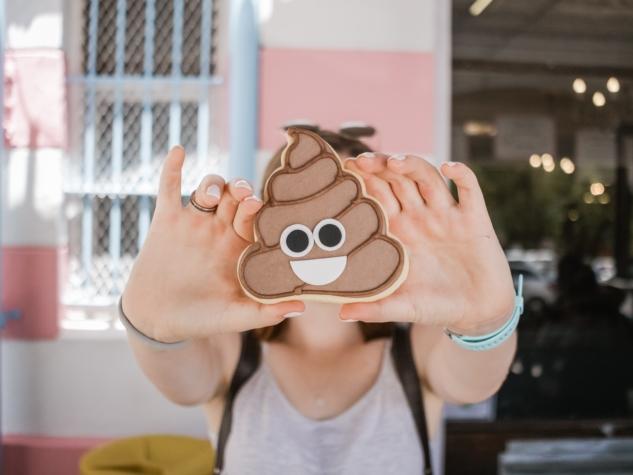 dünya emoji günü – nicole honeywill
