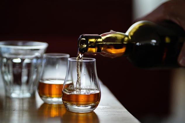 viski-tadimi-dylan-de-jonge