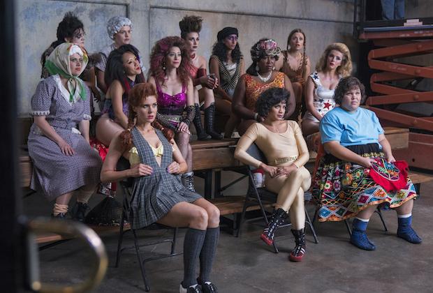 GLOW: Güreşin Muhteşem Kadınları!