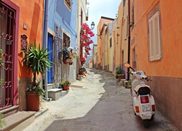 İtalya dar sokak