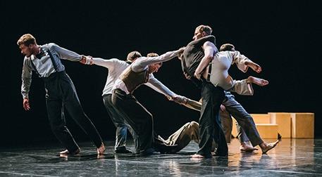 Her Yol Kuzeye Çıkar, Ballet Moscow
