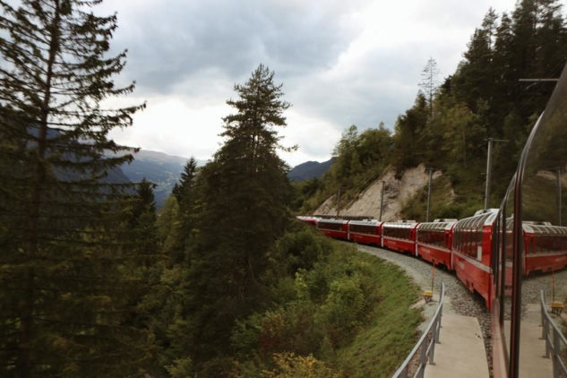Bernina Ekspresi: İsviçre Alpleri'ne Yolculuk