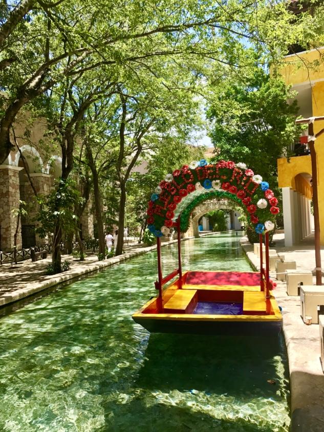 Xcaret Hotel, Cancun: Meksika'nın Yeşillikler İçindeki Oteli