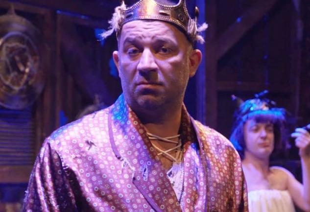 Bir Baba Hamlet: İki Kişilik Bir Shakespeare Trajedisi