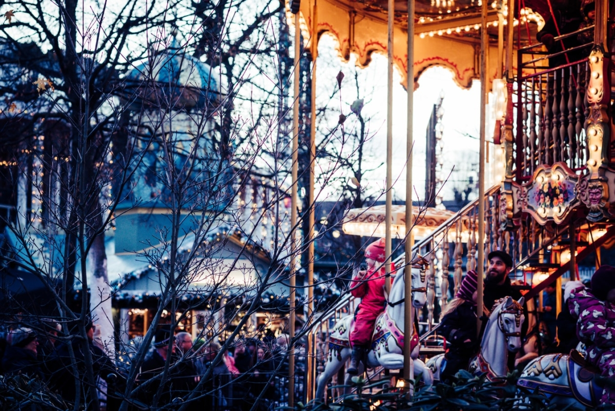 Danimarka, Christmas in Tivoli | Fotorğraf: Unsplash / Jonas Smith