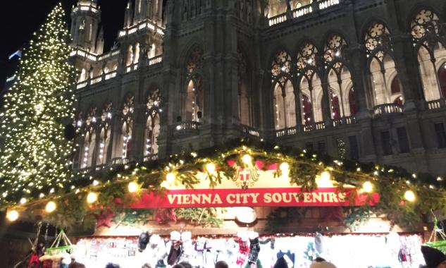 Wiener Weihnachtstraum Christkindlmarkt Rathausplatz