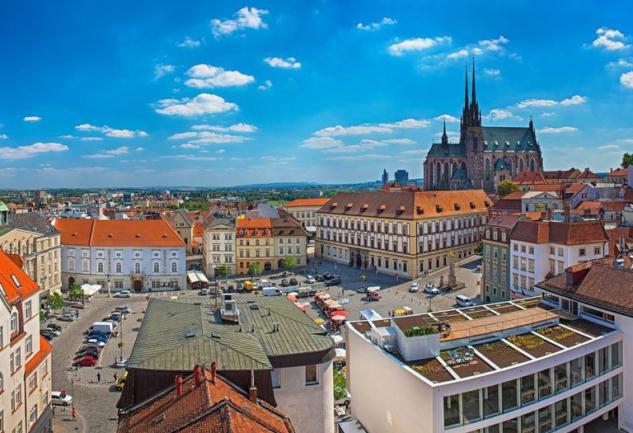 Brno'da Yaşamak: Eralp Alper ile Düşündüren Bir Röportaj
