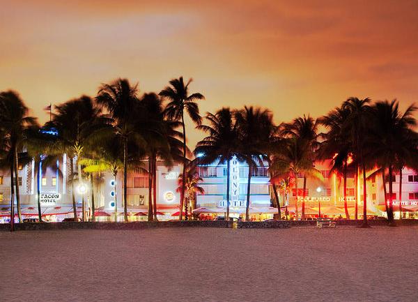 Art Deco: Miami'de Işıklı Bir Mimari Turu