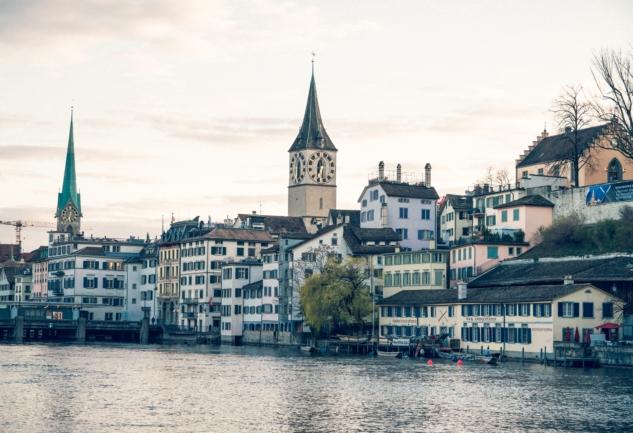 Zürih Tren Yolculuğu: İsviçre'nin Muazzam Doğası
