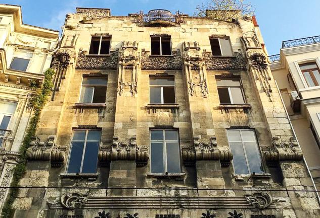 Botter Apartmanı: Beyoğlu'nda Asırlık Bir Bina Ve Romanı