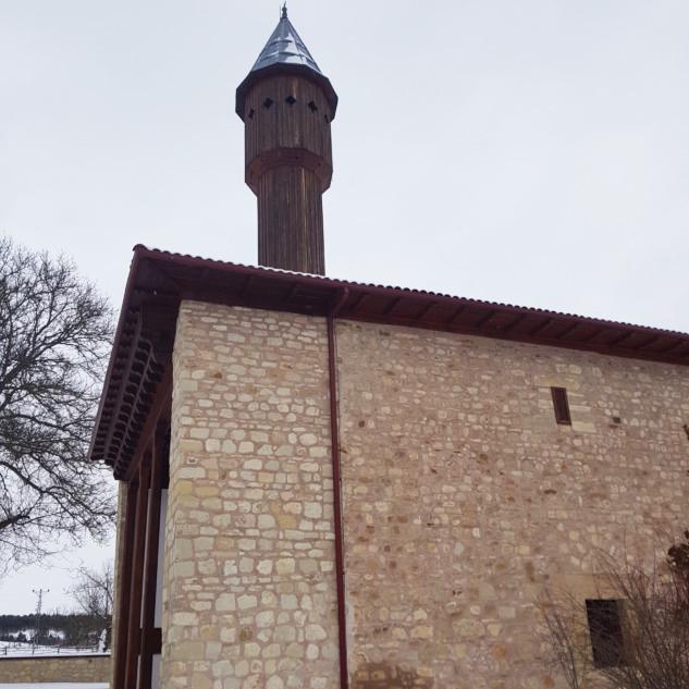 Çivisiz Cami