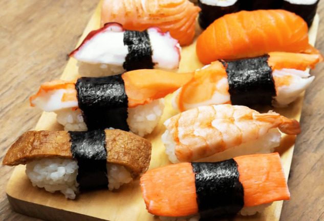 Sushi: Uzak Doğu Mutfağının Efsane Lezzeti Mercek Altında