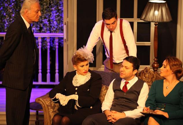 On Küçük Zenci: Ve Ediz Hun Tiyatro Ak'la Kara Sahnesi'nde!