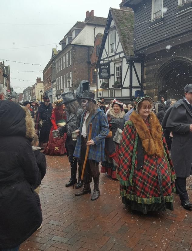 Charles Dickens Roman Kahramanları, Kostüm Giyebileceğiniz Festivaller