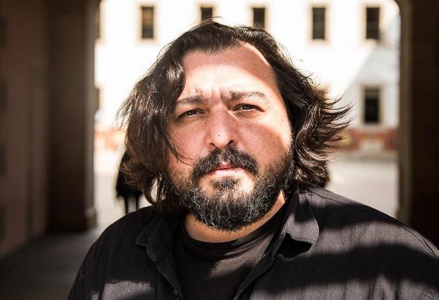 Hakan Günday: İçindekileri Dışa Vuran Yazar ve Eserleri