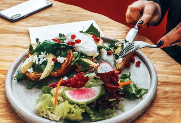 Proof Breakfast & Brunch: İzmir'de Renkli Bir Kahvaltı Mekanı
