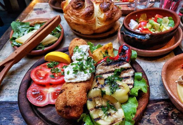 Saraybosna: Lezzetli Yemek Duraklarını Keşfedin!