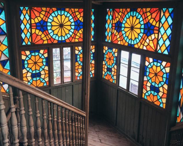 Tiflis'te Eski Bir Apartman Dairesi