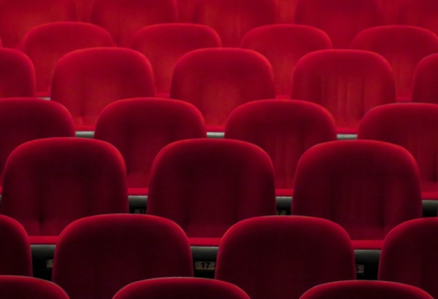 Evde Online Tiyatro Zamanı: Biz Gidemiyorsak, O Bize Gelir!