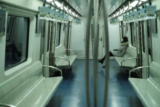 Pandemi günlerinde metrolardan manzaralar