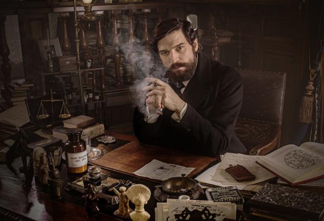 Freud Dizisi: Psikanalitiğin Kurucusunu Anlatan Netflix Yapımı