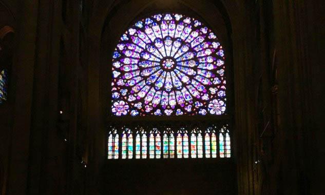 Notre Dame de Paris'te Vitray