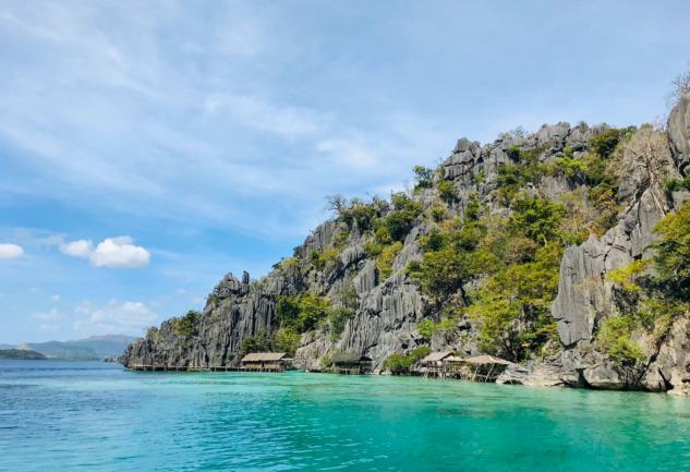 Coron Adası: Filipinler'in Mercan Kayalıklarına Yolculuk