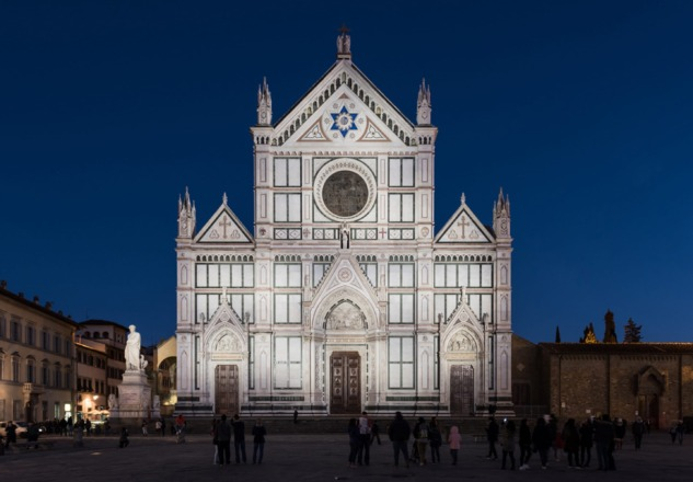 microscape-luca-petrucci-lighting-the-facade-of-the-santa-croce-basilica