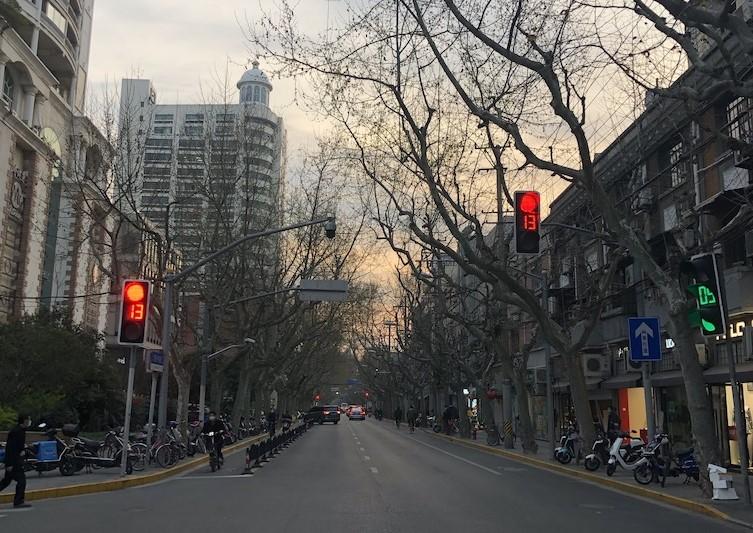 Mart ayında sokaklarda kimse bulunmuyordu