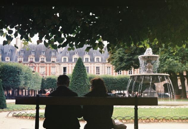 Paris'te Yaşam: Romantik Şehre Farklı Bir Bakış