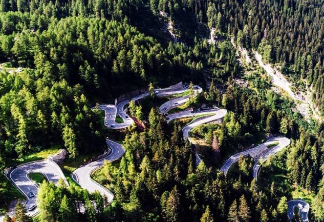 En Güzel Sürüş Rotaları: Bir Yoldan Çok Daha Fazlası!