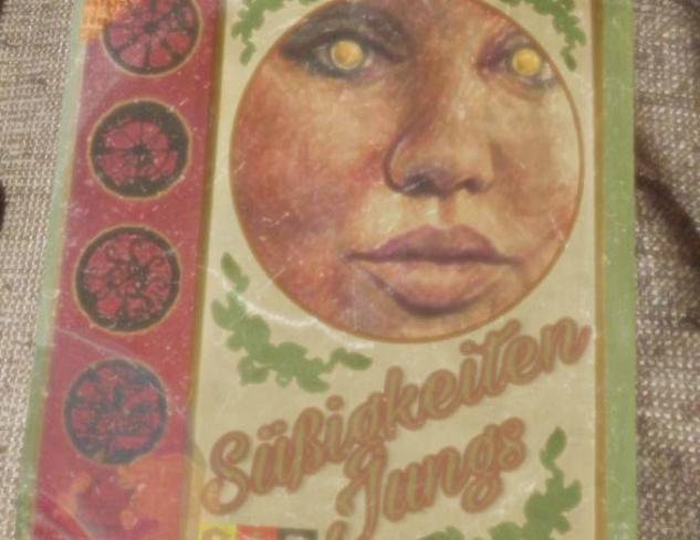 Gizemli şarkımızın içerisinde bulunduğu iddia edilen Sußigkeiten Jungs albümü