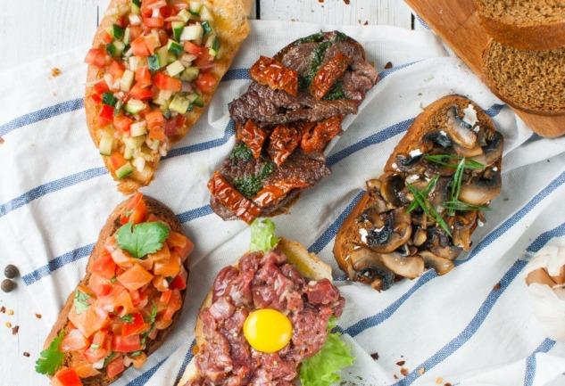 Bruschetta: İtalyan Mutfağının Hafif Atıştırmalığı